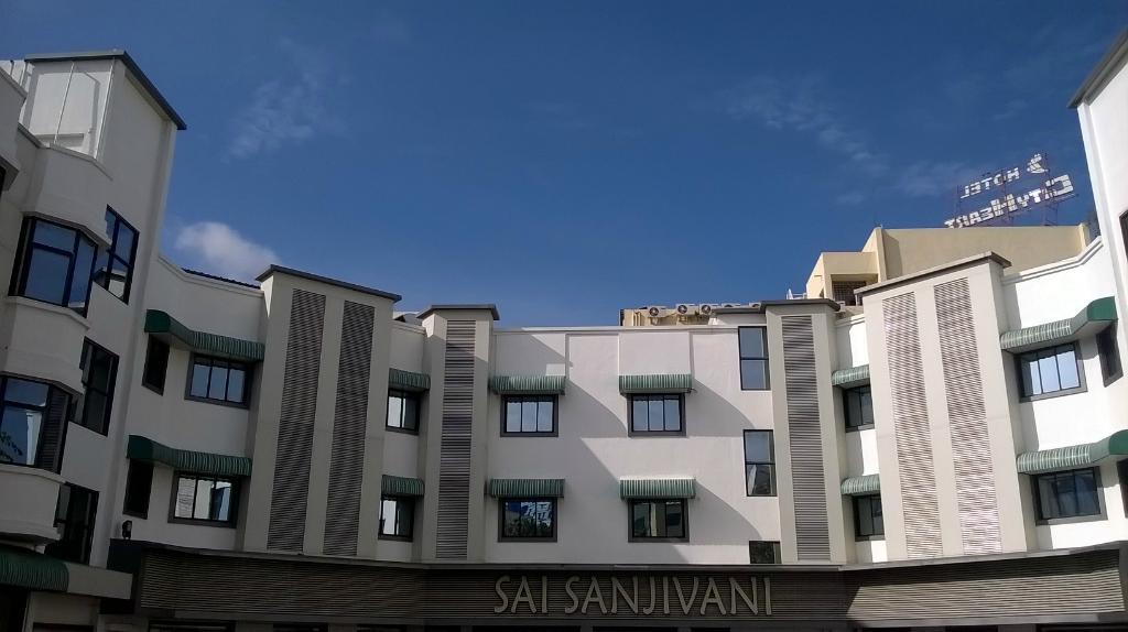 daiwik-hotels-shirdi (1)