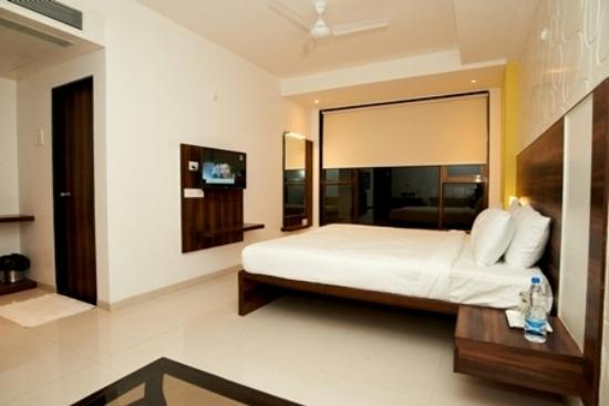 double-bed-ac-executive
