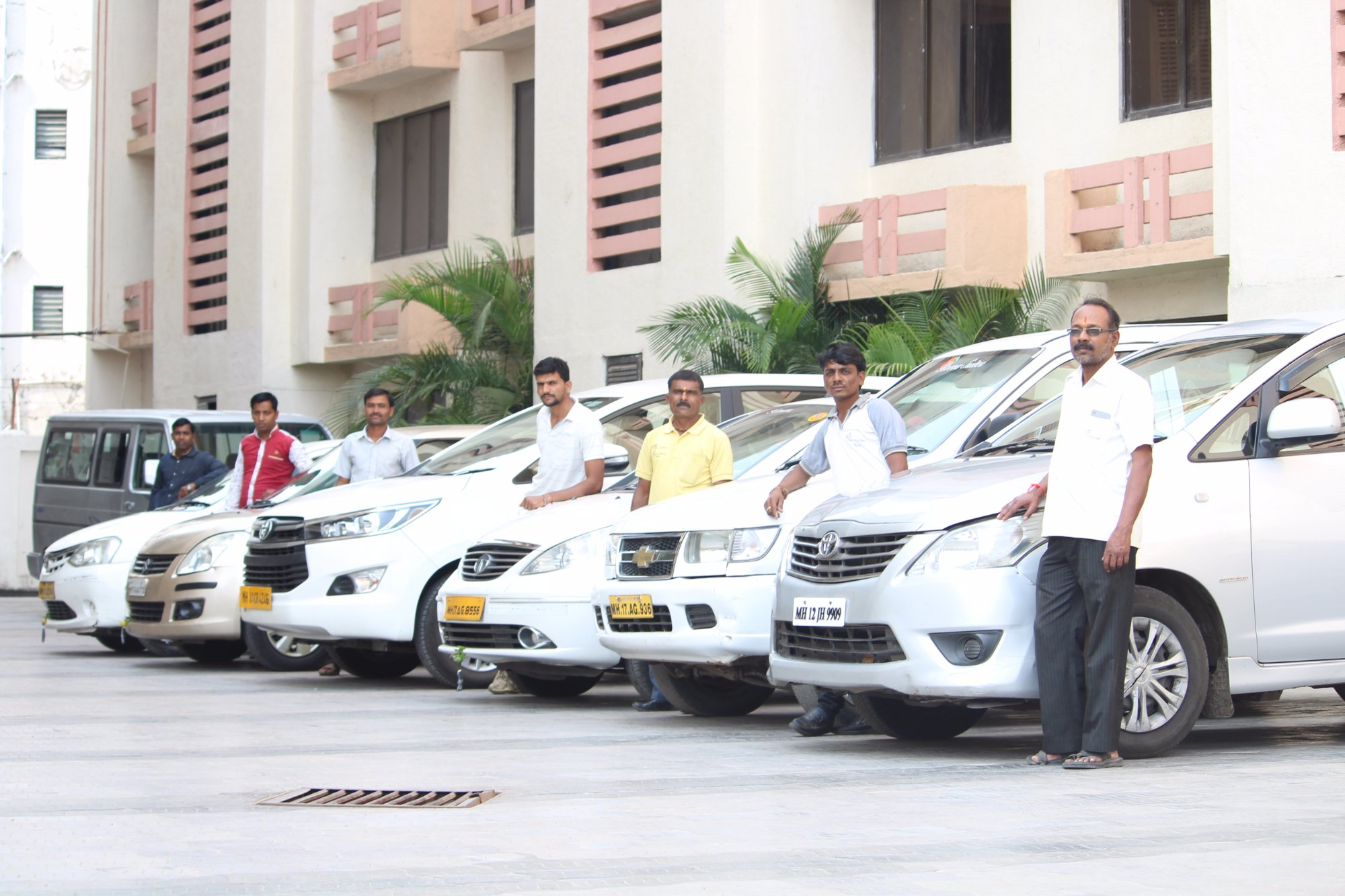hire-car-cabs-taxi-in