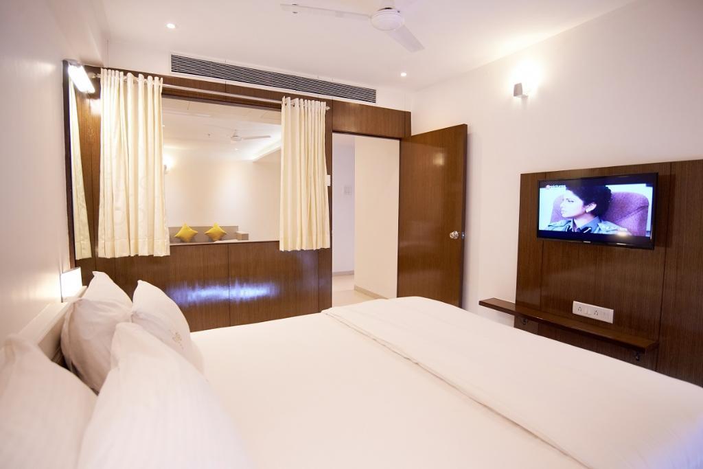 luxurious-suite-room (1)